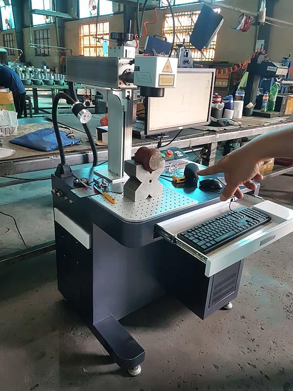 Máy khắc laser kim loại 50W JPT