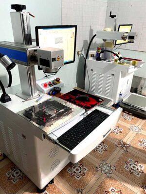 Máy khắc laser kim loại 50W